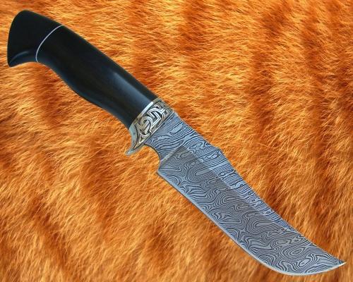 Нож Хищник (дамаск) с мельхиоровой гардой - сквозной монтаж