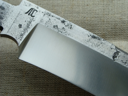Клинок Лесник со следами ковки, сатин (сталь Х12МФ)