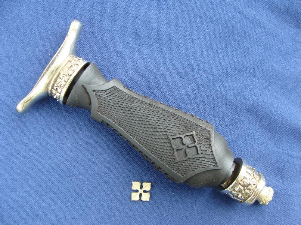 Комплект для кинжала Клевер (мельхиор) с резной рукоятью