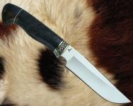 Нож Тайга 1 с мельхиоровой гардой (сталь D2, стабилизированная карельская берёза) - сквозной монтаж